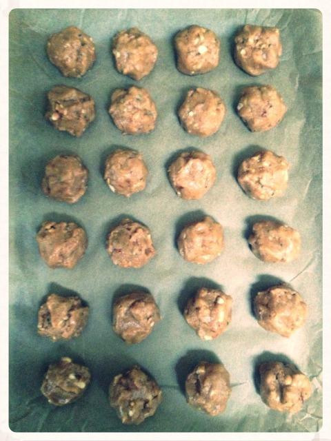 Maggie's Mind Mumbles//: Ohio Buckeye Protein Bites without chocolate